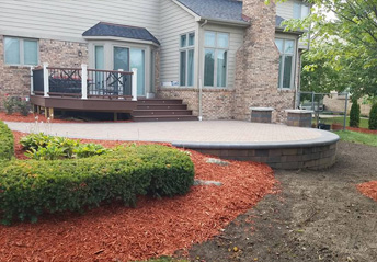 Livonia MI Landscaping - Design & Maintenance | A-Team Hardscapes - woodchips